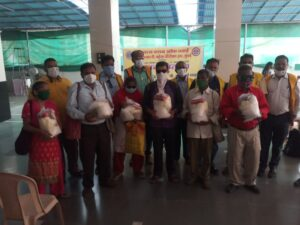 Food donation-by-Lions-Club-of-Vasai